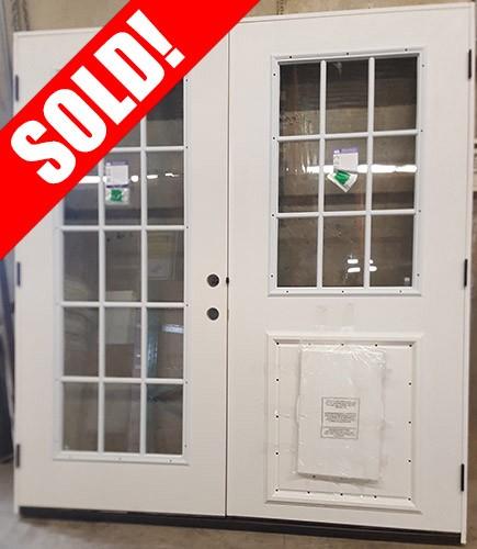 """#Z31802 6'0"""" 15-Lite/9-Lite Fiberglass Patio w/Pet Door"""